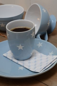 Light blue dishes