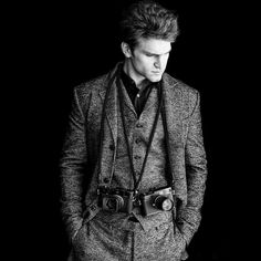 Keegan Allen looking sharp in this outfit. | Pretty Little Liars
