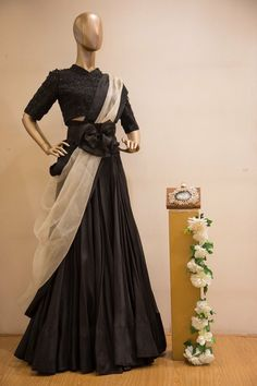 Of monochromes and statement corset belts, this stunning piece by is the perfect reception look for you! Shop it away at Aza Altamount. Western Gown, Western Dresses, Indian Dresses, Indian Outfits, Lehenga Designs, Saree Blouse Designs, Dress Designs, Western Outfits For Women, Clothes For Women
