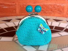 Crochet coin purse with metal frame - Peggy Sew Diy Crochet Coin Purse, Crochet Pouch, Crochet Gloves, Crochet Purses, Crochet Mandala Pattern, Crochet Patterns, Crochet Hat For Women, Frame Purse, Crochet Handbags
