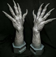 dial it back Zbrush, Monster Hands, Hand Pose, Anatomy Poses, Scary Art, Alien Creatures, Special Effects Makeup, Creature Design, Werewolf