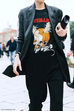 nice 2 Ways To Wear A Vintage Metallica Band Tee