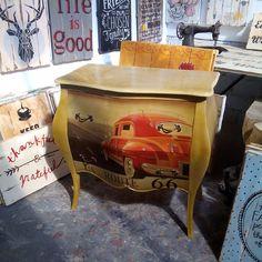 route 66 drawer. #vintagedrawer #alldecos #kembangsqr #iloveyou #kasongan #kado #idea #jualmebelmurah #jogjamebel #jogjafurniture #vintage #homeliving #homedeco #mondrinavian