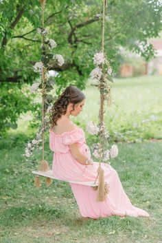 trendy ideas for baby bump photography fine art Swing Photography, Maternity Photography, Baby Bump Photos, Pregnancy Photos, Maternity Poses, Maternity Pictures, Country Birthday Party, Foto Newborn, Princess Photo