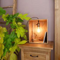 Lampe caisse de vin, style vintage avec lumière à incandescence