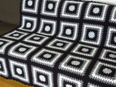 Black & White Throw Blanket Gift Ideas For Men Living Room Grey Throw Blanket, Black Blanket, Throw Blankets, Manly Living Room, Creative Knitting, White Throws, Knitted Blankets, Blanket Crochet, Granny Square Blanket