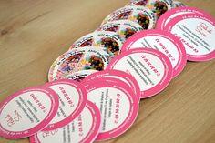 Carte de visite ronde pelliculée brillante pour boutique de confiserie Boutique, Creative Business Cards, Boutiques