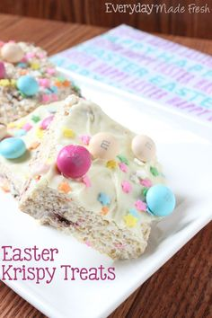 Easter Krispy Treats, the perfect treat for Easter. Krispy treats stuffed and with M&M's®️️️️️ Easter Sundae and Sprinkles. #SweeterEaster #ad | http://EverydayMadeFresh.com
