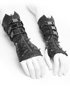 Punk rave immortan mens dieselpunk gauntlet gloves Punk Rave Immortan Mens Gauntlets - Black Long Gloves With Spikes & Faux Leather Straps Cyberpunk Mode, Cyberpunk Fashion, Punk Outfits, Gothic Outfits, Gants Steampunk, Gothic Steampunk, Victorian Gothic, Gothic Lolita, Gauntlet Gloves