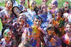 Summer Fun Paint War Party Water balloon / water gun fight with paint. Super messy, but looks super fun. Water Balloon Fight, Water Balloons, Youth Games, Games For Teens, Summer Parties, Summer Fun, Summer Bucket, Rainbow Parties, Summer Ideas