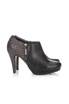 Black Metallic Platform Shoe  #MyChristmasStory