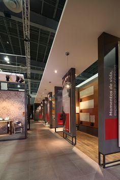 Stand diseñado por Local 10 Arquitectura para Lamosa,  interior del stand de 340m2 en la feria CIHAC 2015., CDMX.  Stand designed by Local 10 Arquitectura for Lamosa, interior. 340m2, Expo CIHAC 2015, Mexico City.