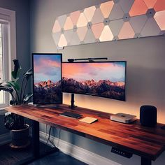 Desk Setups that maximize Productivity Home Office Setup, Home Office Space, Home Office Design, House Design, Computer Desk Setup, Gaming Room Setup, Pc Desk, Computer Keyboard, Yanko Design