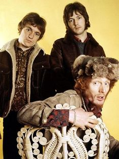 Cream The rock supergroup Cream -- which included guitarist_singer Eric Clapton bassist_singer Jack Bruce and drummer Ginger Baker -- only existed for three years in its first run from 1966 to 1968 Beatles, Rock N Roll, Rock Rock, Cream Eric Clapton, Eric Clapton Guitar, Historia Do Rock, Sunshine Of Your Love, Ginger Baker, Jack Bruce