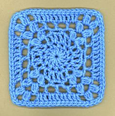 """~ Dly's Hooks and Yarns ~: ~ """"I'm so blue"""" square ~"""