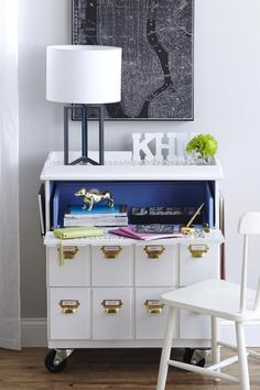 12 Incredible Furniture Makeovers You Need To Pin: DIY Rolling Desk