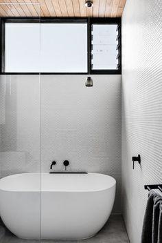 Bathroom style | Phoenix Tapware | matte black taps and accessories | Photo Credit: FIGR Architecture & Design