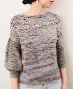 Пуловер оверсайз с рукавом баллон, вязаный спицами