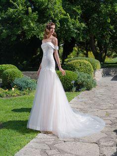 Luxusné svadobné šaty s predĺženým korzetom