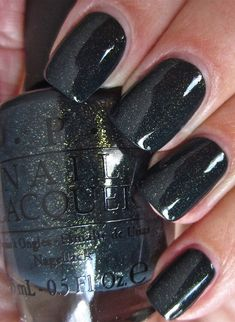 Semi-permanent varnish, false nails, patches: which manicure to choose? - My Nails Black Sparkle Nails, Black Glitter, Nail Art Noel, Ten Nails, Opi Nail Colors, Manicure Y Pedicure, Garra, Colorful Nail Designs, Nagel Gel