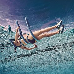 The Super Sculpting Swimming Workout That Doesn't Involve Laps Das superskulpturale Schwimmtraining ohne Runden Swimming Pool Exercises, Pool Workout, Swimming Tips, Plyometric Workout, Aerobics Workout, Split Squat Jumps, Jump Squats, Explosive Workouts, Aerobic Exercises