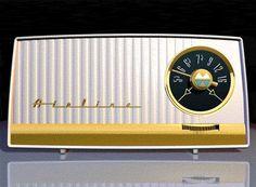 Design des années 50 | radiodays and voitures en 3D | design et typo