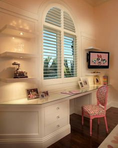 Hacking together a desk by using drawers or dressers could be a great way to double up on space.