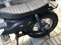 Honda Cub, Modern Living, Cubs, Motors, Living Rooms, Motorcycle, Bike, Vehicles, Lounges