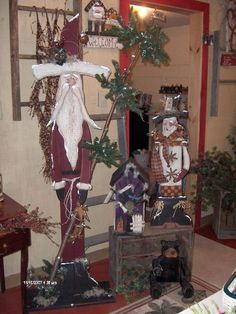 Love the Santa - this site has lots of great wooden crafts