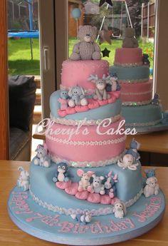 De Cake van deze Week is deze originele kindertaart van Cheryl's Cakes. Wat een leuk idee, die uitsparingen in de taart! Voor meer van Cheryl's werk klik je hier.