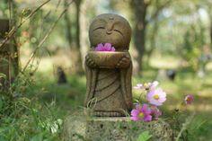 Japan Collection Healing Ksitigarbha / made of Granite / JIZO 地蔵 / H 30 cm Athena Statue, Garden Art, Garden Design, Statue Art, Garden Inspiration, Design Inspiration, Little Buddha, Baby Buddha, Greek Statues