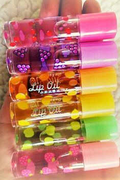 Glitter Lip Gloss, Gloss Lipstick, Gloss Labial, Baby Lips, Fruit Party, Lip Oil, Makeup Rooms, Makeup On Fleek, Saveur