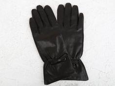 Ready To Wear, Gloves, Leather, How To Wear, Fashion, Fleece Hats, Hair Wrap Scarf, Wraps, Moda