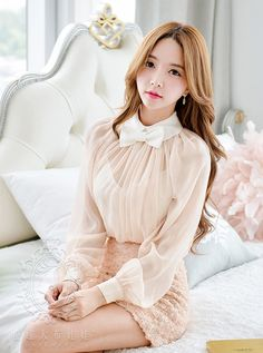 Park SooYeon 80s Fashion, Asian Fashion, Fashion Models, Girl Fashion, Asian Woman, Asian Girl, Sexy Outfits, Girl Outfits, Stylish Girl