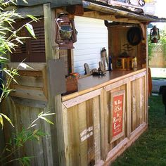 Free Tiki Bar Plans – Step-by-Step DIY Tiki Bar Plans - (to go with my cabana and jacuzzi someday) :-) Backyard Bar, Patio Bar, Deck Bar, My Pool, Pool Bar, Backyard Projects, Outdoor Projects, Backyard Ideas, Patio Ideas