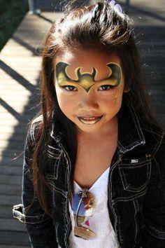 """Image Search Result For """"batgirl makeup"""" Batgirl Face Paint, Batgirl Makeup, Batman Makeup, Superhero Face Painting, Face Painting For Boys, Body Painting, Maquillaje Halloween, Halloween Makeup, Halloween Face"""