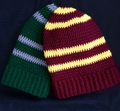 The perfect gifts for Harry Potter fans with fall birthday -- these house color beanies are adorable!