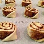Kakaós csiga tojás nélkül   mókuslekvár.hu Cheesecake, Muffin, Breakfast, Food, Morning Coffee, Cheesecakes, Essen, Muffins, Meals