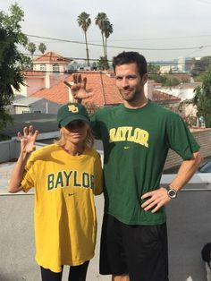 Kristin Chenoweth bet her #Baylor alum trainer that OU would beat Baylor. Spoiler: she lost. #SicEm