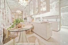 Architektka navrhla luxusní plovoucí příbytek určený pouze pro ženy– Novinky.cz