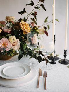 Lush autumn blooms: http://www.stylemepretty.com/2015/10/31/lushly-beautiful-autumn-feast-wedding-inspiration/ | Photography: Megan Robinson - http://www.meganrobinsonblog.com/