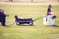 It was quite a parade of flower girls and ring bearers at this wedding! #kids #photography