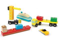 Ein h�lzernes Spielset von Schiffen und Fahrzeugen von Le Toy Van. Das Set enth�lt drei Schiffe, einen Kran mit Magnet sowie drei abnehmbare Container. F�r Kinder ab 3 Jahren geeignet. Material: Holz.