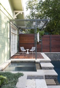 Sophisticated Metal Pergola Design for Exterior Application: Amusing Contemporary Patio Design With Dark Blue Swimming Pool And Black Colore. Diy Pergola, Pergola Canopy, Pergola Ideas, White Pergola, Pergola Kits, Fence Ideas, Outdoor Ideas, Trellis Design, Wood Fence Design