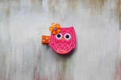 Free Shipping over 15 / Baby / Toddler / Girl Hair Clips, Hot Pink Owl Hair Clip on Etsy, $4.00 #hairclips #owl #stockingfillers #toddlers #babygift #hairaccessories #christmas #etsy #shopping