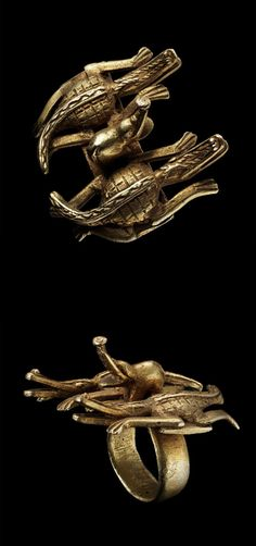 Ghana | Ring depicting two crocodiles and an elephant from the Ashanti people | Brass | Est. 500 / 800 CHF ~ (May '14)