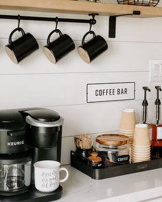 Coffee Bar Station, Coffee Station Kitchen, Coffee Bars In Kitchen, Tea Station, Coffee Bar Home, Home Coffee Stations, Coffee Bar Ideas, Coffee Shop Bar, Kitchen Small