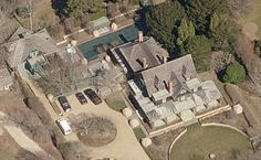 Celebrities Homes In The Hamptons - Martha Stewart's mansion