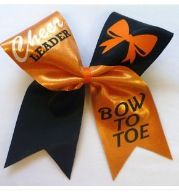 Cheerleader bow to toe