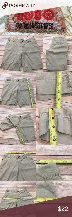 Sz 7 No Boundaries Tan Linen Knee Length Shorts Measurements are in photos. Normal wash wear, no flaws. B1  I do not comment to my buyers after purchases, do to their privacy. If you would like any reassurance after your purchase that I did receive your order, please feel free to comment on the listing and I will promptly respond. I ship everyday and I always package safely. Thanks! No Boundaries Shorts Bermudas
